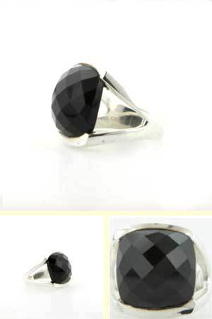 Black Onyx Ring Pissaro