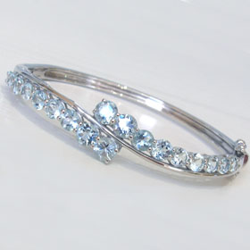 Aquamarine Bangle Brie