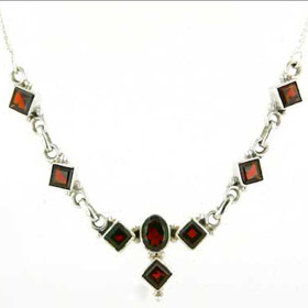 Garnet Necklace Corinne