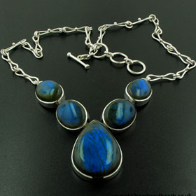 Labradorite Necklace Bella