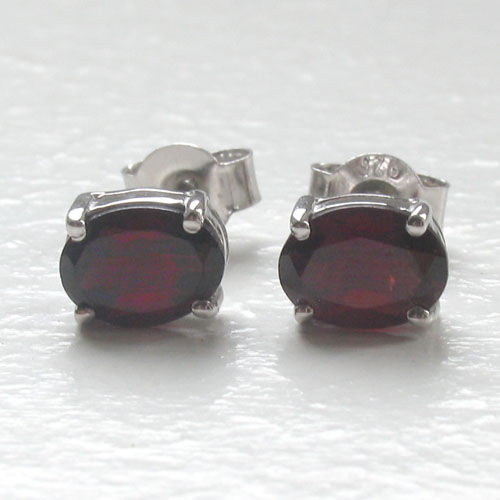 Garnet Stud Earrings Mayla