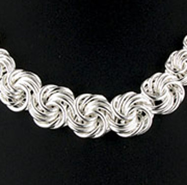Sterling Silver Graduated Lovers' Knot Necklace
