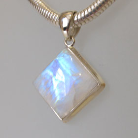 Rainbow Moonstone Pendant Ingrid
