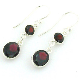 Garnet Earrings Sigi