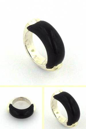 Black Onyx Ring Hopper