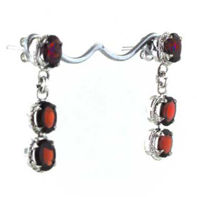 Garnet Earrings Uma