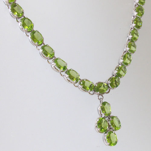 Peridot Necklace | Gemstone Jewellery | Booth and Booth