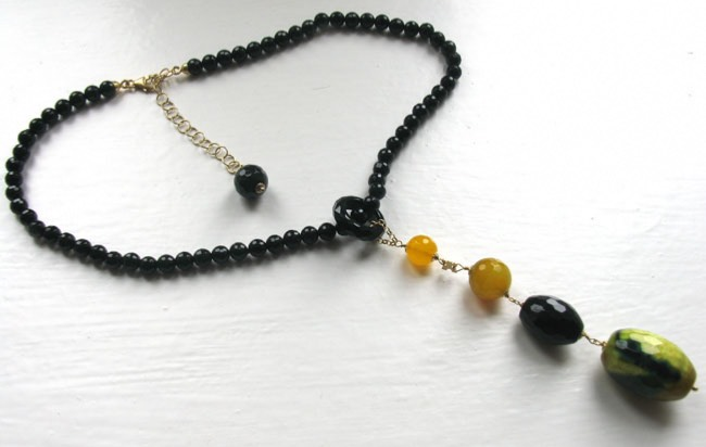 Black Onyx and Agate Necklace Lara